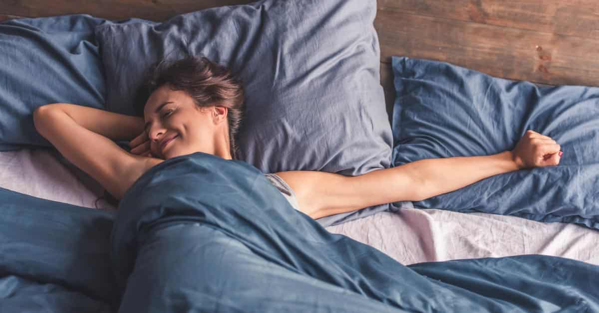 The 4 Best Cuddling & Sleeping Positions for Hip Pain